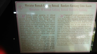 Informasi Miniatur Rumah Gadang Datuak Bandaro Kuniang Limo Kaum