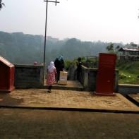 Jambatan Gadang Koto Gadang (18 Oktober 2015) with Mom & Unjut (1)a